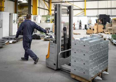 Bude-Bude-site-forklift